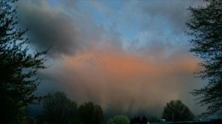4 22 2015 clouds ominous sunset rain 3